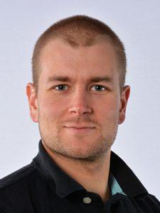 """Martti Suontausta, Lounapartio, 29v, opiskelija """"Olen 29-vuotias opiskelija ja partiolainen Soukasta. Haluan olla vaikuttamassa oman seurakuntani asioihin, erityisesti lasten ja nuorten hyvinvointiin sekä vapaaehtoistyöhön liittyvissä asioissa.""""  Ehdokasnumero 30"""